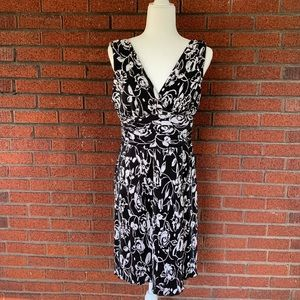 Black and White Connected Petite Sleeveless Dress